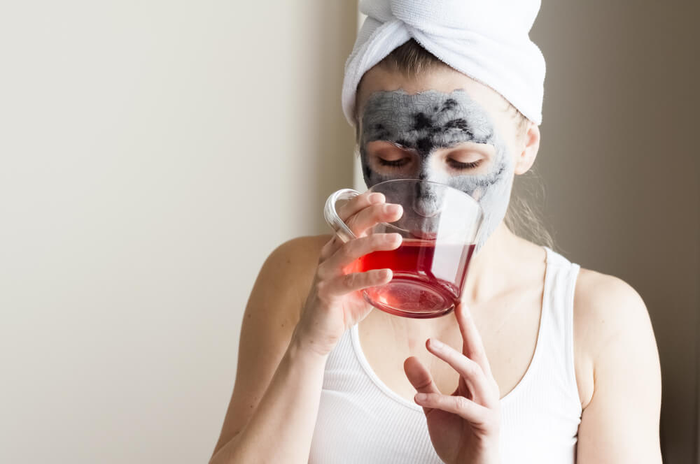6 Powerful Home Remedies for Dry Skin