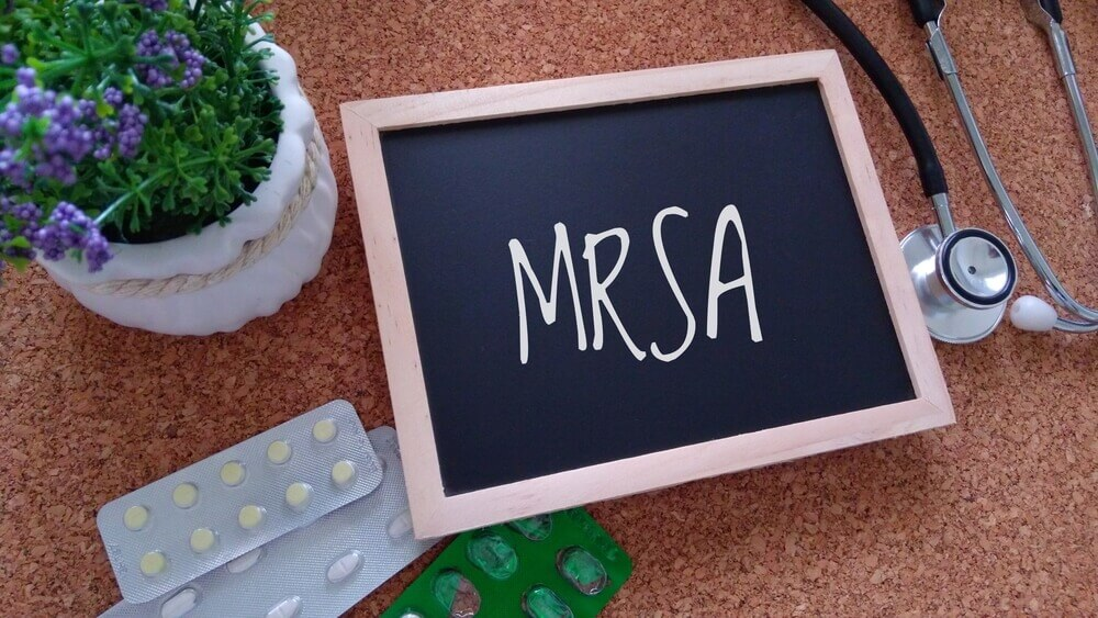 How to Treat MRSA Naturally at Home