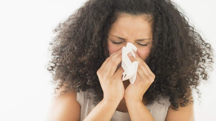 Which one is the best for Allergic Rhinitis: Home Treatment or Medication